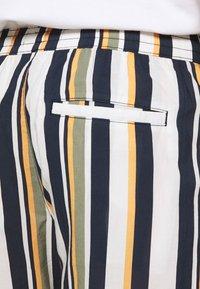Selected Homme - SLHJOEL - Shorts - egret - 6