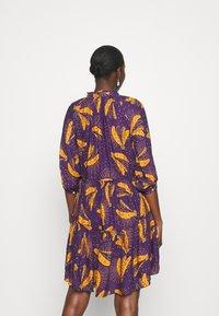 Farm Rio - BOROGODO BANANAS DRESS - Shirt dress - purple/yellow - 2