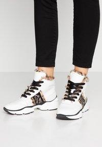 Maripé - Ankle boots - bianco/nero - 0