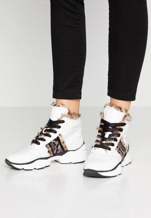 Kotníková obuv - bianco/nero