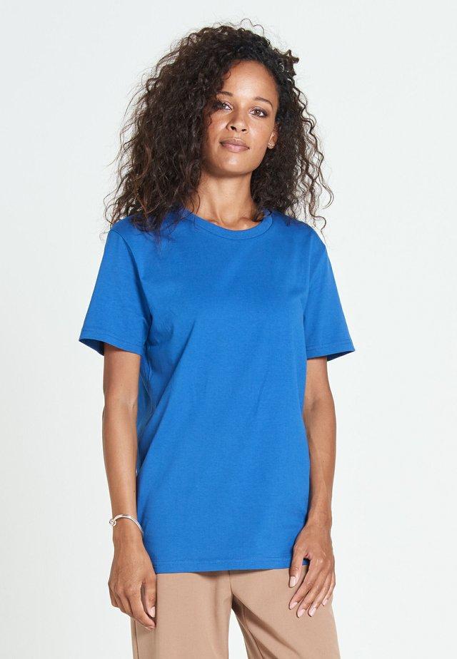 NEW STANDARD - Basic T-shirt - brilliant blue