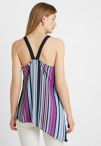 Vince Camuto - ASYMMETRICAL COLORFUL BOARDWALK TANK - Bluser - classic navy - 2