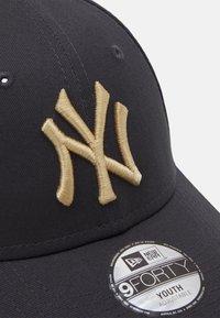 New Era - Y LEAGUE ESS 9FORTY NEW YORK YANKEES UNISEX - Kšiltovka - grey - 3