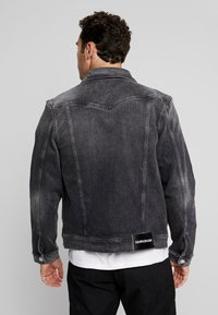 Calvin Klein Jeans - FOUNDATION SLIMJACKET - Cowboyjakker - grey - 2
