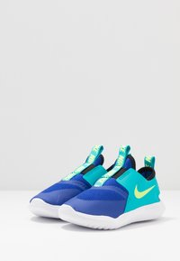 Nike Performance - FLEX RUNNER - Hardloopschoenen neutraal - hyper blue/ghost green/oracle aqua/black - 3
