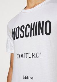 MOSCHINO - Print T-shirt - white - 6