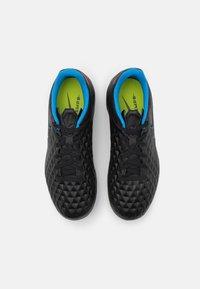 Nike Performance - JR TIEMPO LEGEND 8 ACADEMY MG UNISEX - Kopačky lisovky - black/siren red/light photo blue - 3