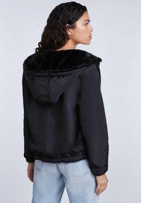 SET - Light jacket - black - 2