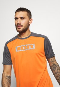 ION - TEE TRAZE - Sports shirt - riot orange - 3