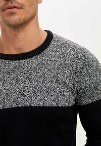 DeFacto - Stickad tröja - navy - 3