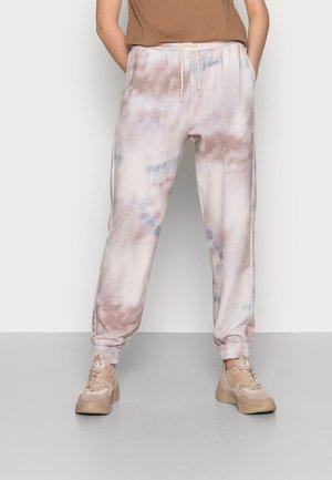 HOLLY PRINT PANTS - Tracksuit bottoms - sage tie dye