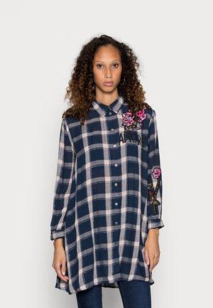 JACARANDA - Button-down blouse - blue