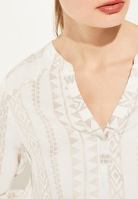 comma - Blouse - beige embroidery - 3