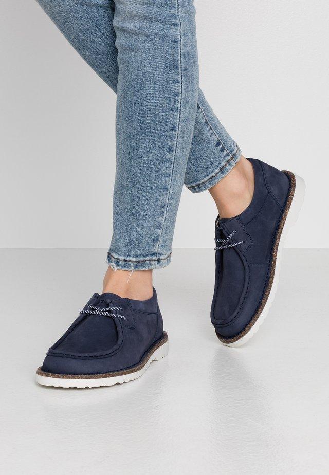 PASADENA - Volnočasové šněrovací boty - navy