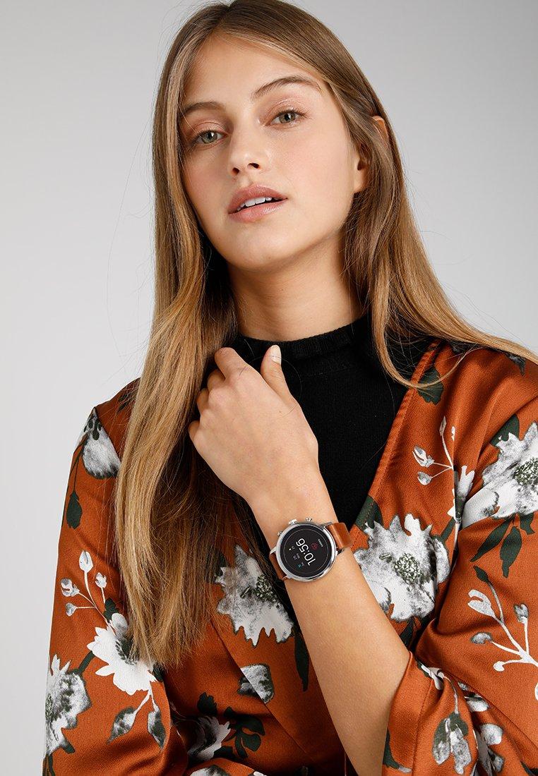 Fossil Smartwatches - Q VENTURE - Watch - braun/schwarz