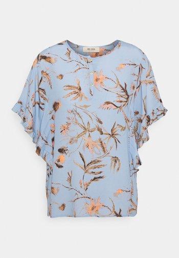 TARA THISTLE BLOUSE - Print T-shirt - bel air blue