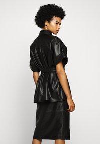 KARL LAGERFELD - CARGO - Button-down blouse - black - 2