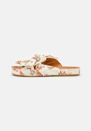 YOLIN - Pantofle - weiß