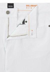 BOSS - DELAWARE - Slim fit jeans - white - 5
