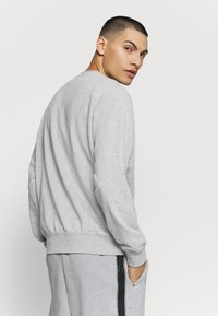 Nike Sportswear - Sweatshirt - dark grey heather/white - 2