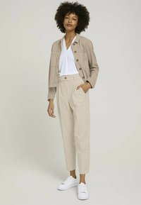 mine to five TOM TAILOR - Chinos - sand white twill - 1