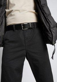 Tommy Hilfiger - HAMPTON - Cintura - black - 1