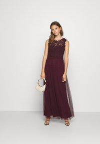 Vila - VILYNNEA MAXI DRESS - Suknia balowa - winetasting - 1