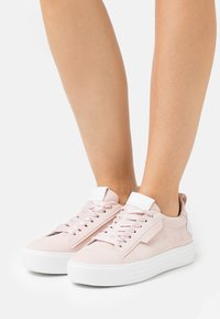 Kennel + Schmenger - UP - Sneakers laag - baby rose/bianco - 0