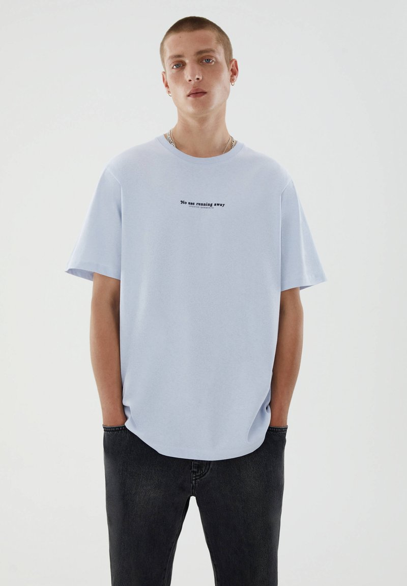 PULL&BEAR - T-shirt med print - blue