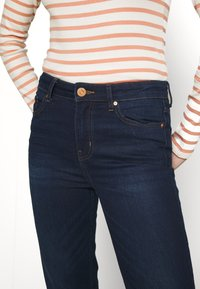 Marks & Spencer London - SIENNA - Jeans straight leg - blue denim - 4