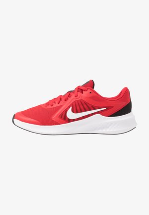 DOWNSHIFTER 10 - Neutral running shoes - university red/white/black