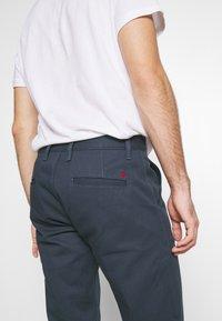 Royal Denim Division by Jack & Jones - JJIMIKE JJROYAL  - Chino kalhoty - blue denim - 5
