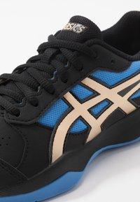 ASICS - GEL-GAME - Zapatillas de tenis para tierra batida - black/champagne - 2