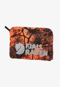 Fjällräven - HUNTING RAIN COVER  - Other - safety orange - 0