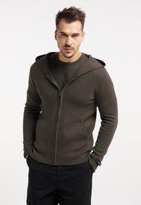 TUFFSKULL - Zip-up hoodie - militär oliv - 0