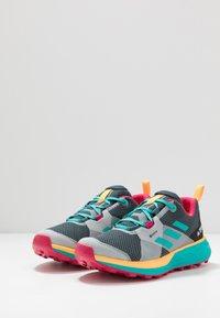adidas Performance - TERREX TWO GORE-TEX - Zapatillas de trail running - blue/solar gold - 2