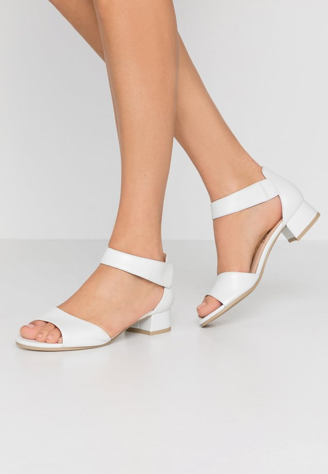 Sandals - white perlato