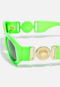 Versace - UNISEX - Sluneční brýle - green fluo - 5