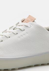 ECCO - TRAY - Golf shoes - white - 5