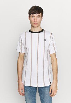 DAILY BASIS  - T-shirt med print - white