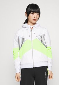 ONLY PLAY Petite - ONPAGATA JACKET PETITE - Chaqueta de entrenamiento - white/safety yellow/iridescent - 0