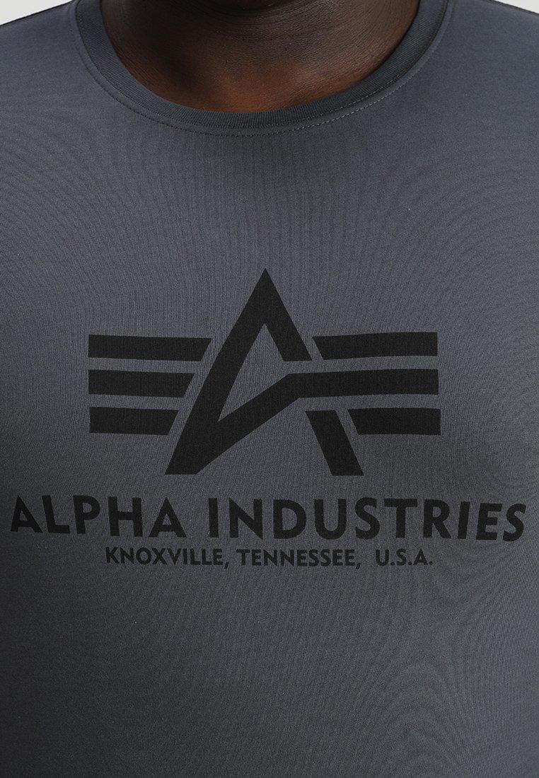 Alpha Industries BASIC - Print T-shirt - grey black R4omo