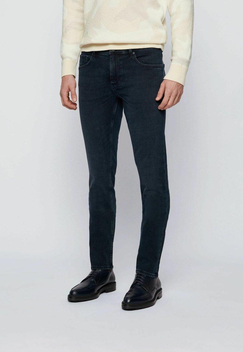 BOSS - Slim fit -farkut - dark blue