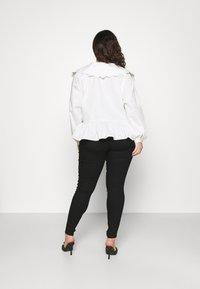 Vero Moda Curve - VMLUDY - Jeans Skinny Fit - black - 2