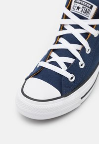 Converse - CHUCK TAYLOR ALL STAR STREET MID UNISEX - High-top trainers - midnight navy/ dark soba/white - 5