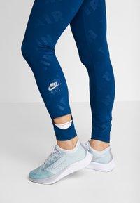 Nike Performance - AIR  - Medias - valerian blue/silver - 3