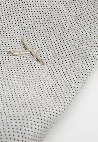 SURI FREY - ROMY BASIC - Across body bag - grey - 6
