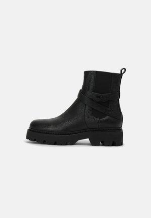 MONTGOMERY STREET - Kotníkové boty na platformě - black
