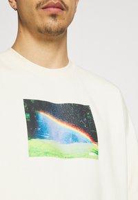 Obey Clothing - RAINBOW - Collegepaita - sago - 4