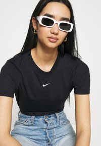 Nike Sportswear - TEE - T-shirt print - black/white - 3
